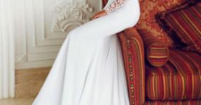Утонченность и сдержанность: платья с рукавами