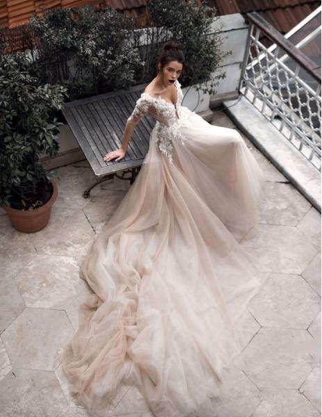 Свадебное платье  AINAR