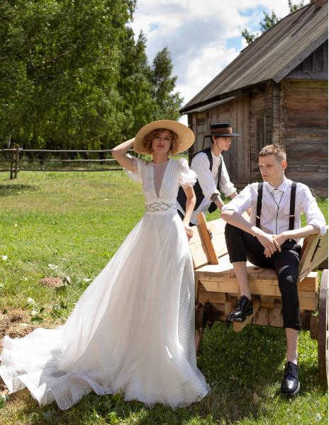 Свадебное платье  IZIJA